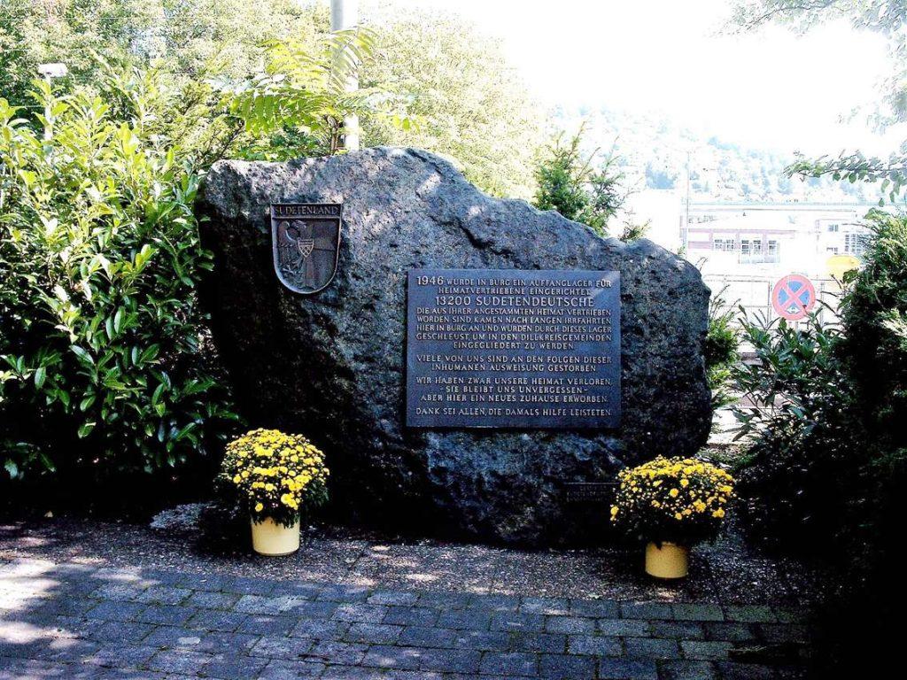 Gedenkstein Burg-k