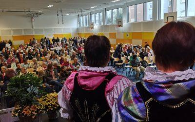 """Volkstanzkreis auf dem """"Tag der Regionen"""" in Herborn"""